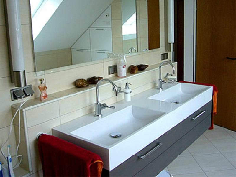 badewanne durch dusche ersetzen elegant hier wurde die tr bereits nachtrglich in die badewanne. Black Bedroom Furniture Sets. Home Design Ideas